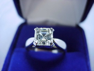 Asscher Cut Diamond Ring: 1.08 carat in Cathedral Style Mounting