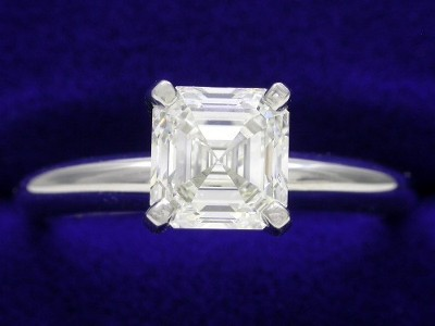 Asscher Cut Diamond Ring: 1.10 carat in Solitaire style mounting