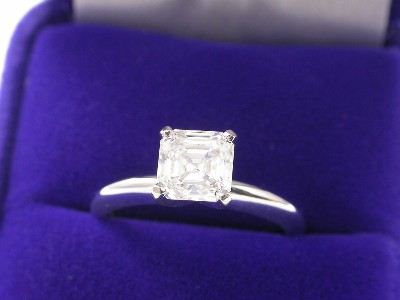 Asscher Cut Diamond Ring: 1.15 carat I VVS2 in Solitaire Style Mounting