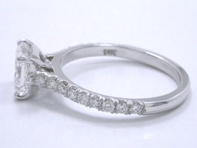 Accommodates Flush Fitting Wedding Band