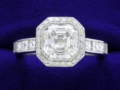 Asscher Cut Diamond Ring: 1.52 carat with Bez Ambar 0.64 tcw Asschers and 0.20 tcw Pave