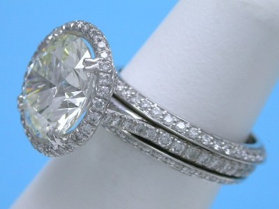 Diamond Wedding Band: 0.58 tcw Round Pave Bookends