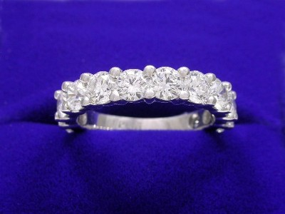 Diamond Wedding Band: 2.15 tcw Round Shared Prong Set Diamonds