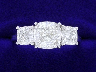 Cushion Cut Diamond Ring: 1.82 carat with 1.00 ratio in 1.06 tcw Cushion mounting