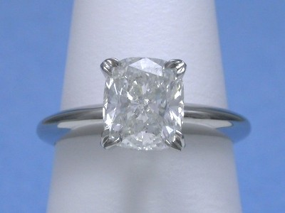 Cushion Cut Diamond in Platinum Mounting