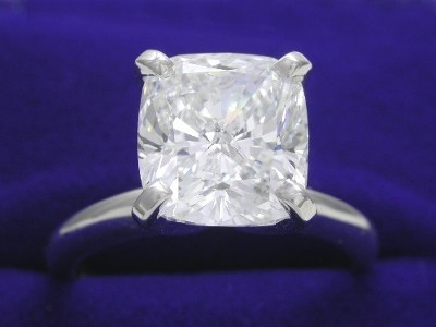 Cushion Cut Diamond Ring: 3.27 carat with 1.10 ratio in Solitaire style mounting