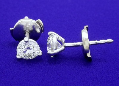 Round Brilliant Cut Earrings: 0.82 tcw in 3-Prong Heads with Clutch Backs