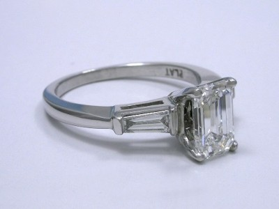 custom Ingwer platinum three stone mounting