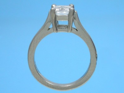 custom platinum Ingwer ladies airline style engagement ring