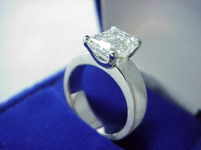 Emerald Diamond Ring with Brushed Platinum Mounting