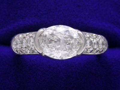 Special Offer: Oval Cut 1.54 E SI1 Diamond Ring