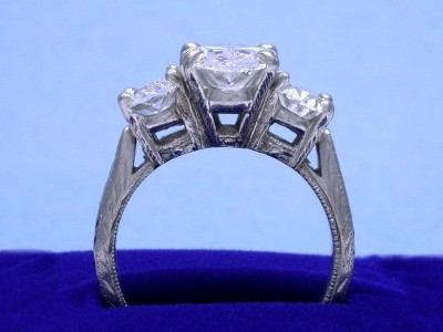 Diamond ring with 2.01 carat oval brilliant diamond