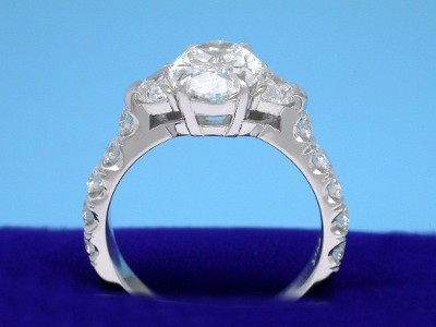 Diamond engagement ring with a 2.28-carat oval brilliant cut diamond