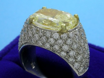 Fancy Light Yellow Diamond Engagement Ring
