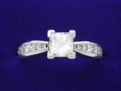 1.01 carat Princess cut diamond ring