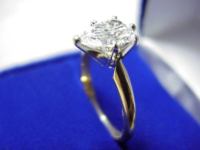 Pear Cut Diamond Ring: 1.13 carat with 1.47 ratio in Solitaire 6 Prong mounting