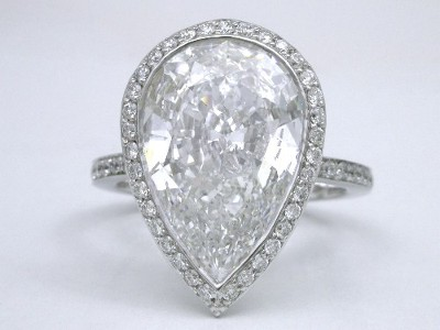 Diamond ring with a 5.27-carat pear-shaped diamond graded D color, SI1 clarity