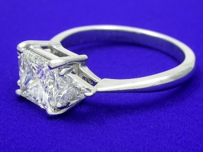 Three-Stone Princess Cut Diamond Enagement Ring with Trillion Side Diamonds