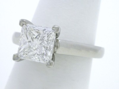 Princess Cut 1.60 catat Cathedral Diamond Ring