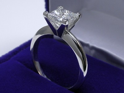 Princess Cut Diamond Ring: 1.72 carat H VS1 in Solitaire style mounting