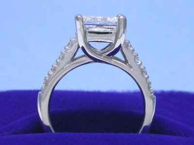 Princess cut diamond ring with custom platinum Leo Ingwer (PLE1004G] Trellis style mounting