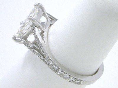 Princess Cut Diamond Ring: 2.10 carat in 0.24 tcw Pave Split Shank Mounting
