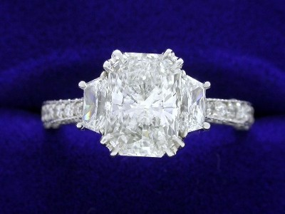 1.70-carat radiant and trapezoid diamond ring