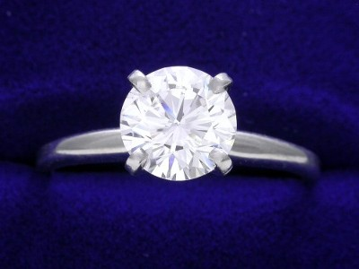 1.26-carat Round Brilliant diamond ring