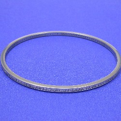 2.00 total carat weight Round Brilliant Cut diamond bangle bracelet