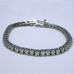 4.68 total carat weight Round Brilliant Cut diamond tennis bracelet