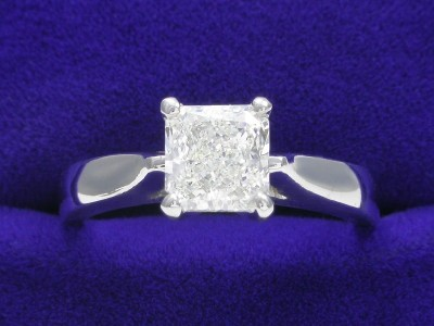 Radiant Cut Diamond Ring: 1.02 carat with Ingwer cathedral mounting