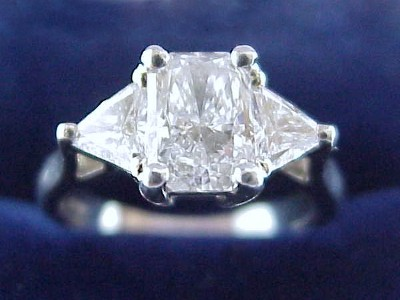 Radiant Cut Diamond Ring: 1.03 carat with 1.40 ratio and 0.75 tcw Trillions
