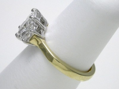 Diamond ring with 1.15 carat cut-cornered rectangular modified brilliant (radiant) cut diamond graded E color, VVS2 clarity
