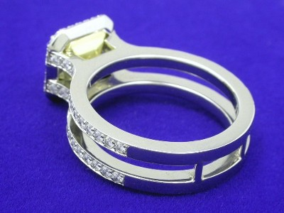 Radiant cut diamond ring with Bez Ambar split parallel pave shank