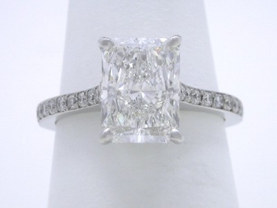 Rectangular radiant cut diamond engagement ring with 1.35 length-to-width ratio1