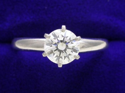 Round Diamond Ring: 0.90 carat F SI1 in 6-prong Solitaire style ring