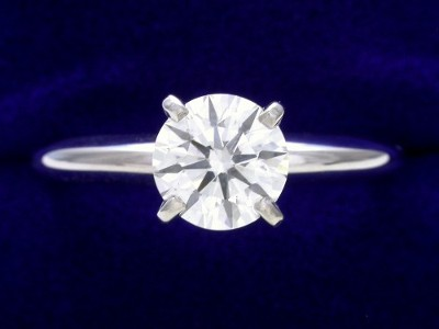 Round Diamond Ring: 0.95 carat I SI1 in Four-Prong Solitaire mounting