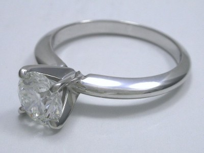 Round Diamond Ring with 4-prong Head and Knife-edge Style Shank