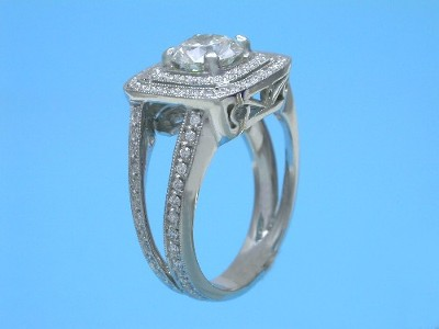 Round Diamond Ring with Split Shank Pave Mounting