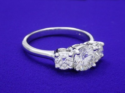 Three Stone Round Brilliant Cut Diamond Engagement Ring