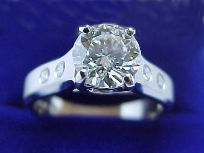 Round Diamond Ring: 1.25 carat in Jeff Cooper mounting