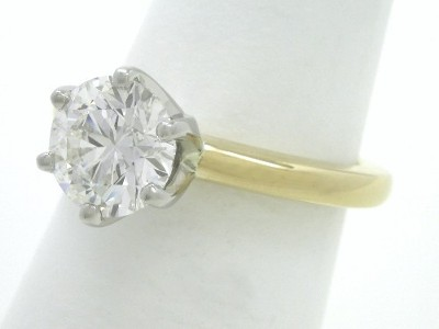 Round brilliant cut diamond engagement ring in 6-prong Solstice style head
