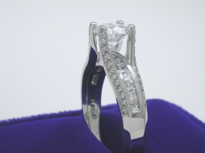 Round Diamond Ring: 1.31 carat in 0.80 tcw Verragio mounting