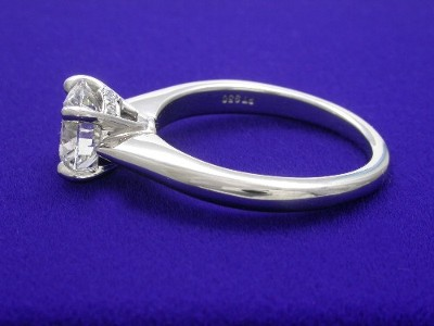Round Diamond Ring: 1.33 carat in Ritani Designer mounting