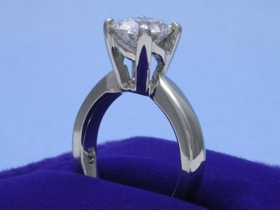 Round Diamond Ring: 1.34 carat in Leo Ingwer Designer Mounting