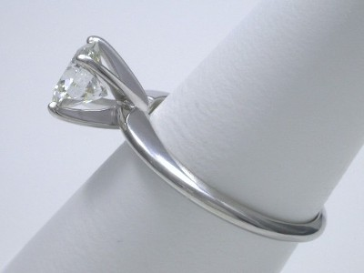 Round Diamond Ring: 1.50 carat I SI1 in 4-prong Solitaire Style Mounting