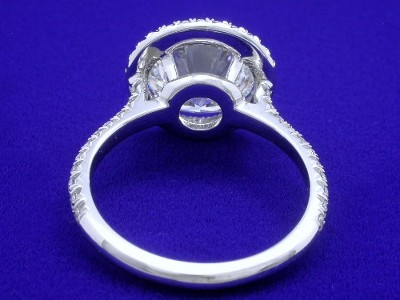 Round Diamond Ring With Pave Halo