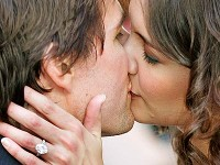 Katie Holmes and Tom Cruise Kiss
